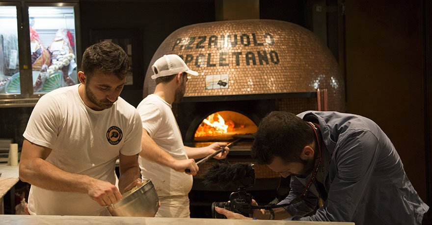 Italian dreamtime: pizzeria d'italiani in Australia